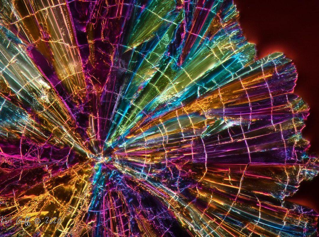 Aperol under the microscope